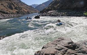 tmp_11478-rafting-922337_1280-438124135